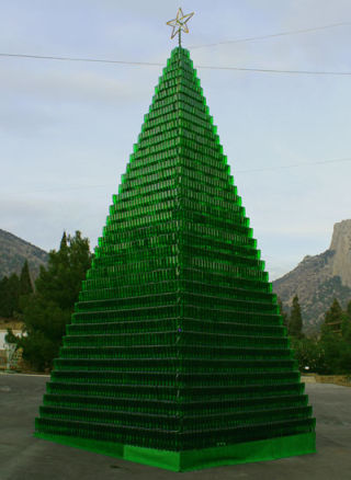 Novyi Svit Winery for New Year 2014 created unique Christmas Tree of 5990 bottles of champagne