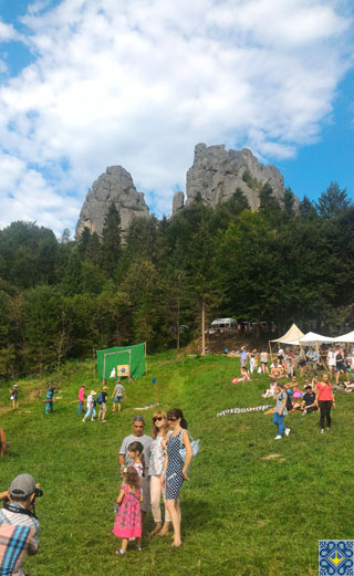 Tustan Festival in Urych | Festival Fair in front of Tustan Fortress