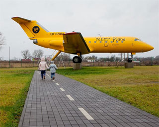 Restaurant Yellow Plane with Yak-40 opened 50 km from Kiev | Yak-40
