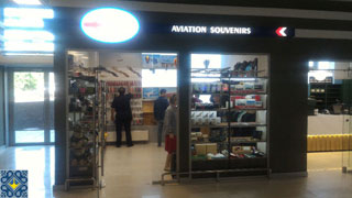 Air Hub shop with aviation souvenirs