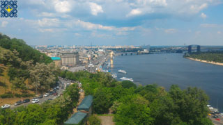 Klitschko Pedestrian-Bicycle Bridge | Panoramic views of Podol and Dnieper River