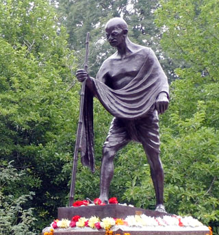 Mahatma Gandhi Monument erected in Kyiv A.V. Fomin Botanical Garden