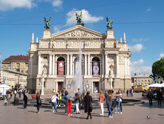 Lviv National Opera resume theatre tours for tourists on 11.08.2020