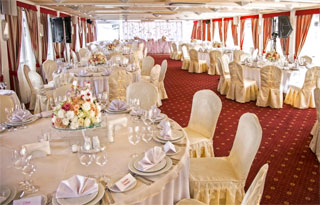 Ukraine Cruises Kyiv - Odesa by Dnieper River on Luxury Ship | Restaurant